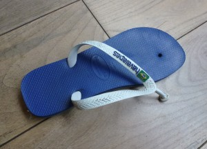 slippers, teruggebracht door familierechercheur